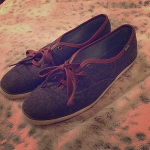 Keds. Sneakers grey wool. Size 9. Good condition!